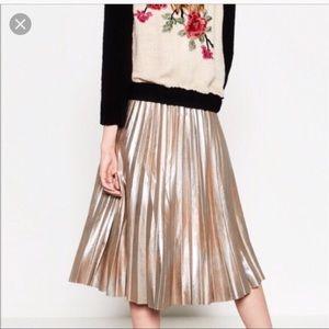 Zara gold pleated Long shimmer skirt medium